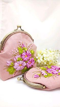 Embroidery Purse, Crewel Embroidery, Coin Purse, Purses, Wallet, Bags, Beautiful, Handbags, Handbags
