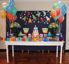 Children's party with the theme of astronauts - Celebrat : Home of Celebration, Events to Celebrate, Wishes, Gifts ideas and more ! 4th Birthday Parties, Boy Birthday, Space Baby Shower, Simple Birthday Decorations, Astronaut Party, Outer Space Party, Baby Party, Childrens Party, Bernardo