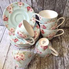 Blue Modern Rose Coffee Set Isi: 6cup & 6saucer Berat 4kg IDR 275.000/set  BBM: 53B4D048  LINE: shopofme2  WA : 08562852444  #jualpiring #mamakpiring #newcountry #modernrose #shabbychic #tableware #pecahbelah #jualkeramik #dinnerset #plate #bowl #saucer #jube #jubaedah #vintage #floral #sango  #jualmangkok #jualcangkir #jualmug #mug #cup #teacup #teaset #teapot #jualjube #jualnewcountry #jualdinnerset #dinnerset