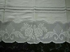 Filet Crochet, Crochet Doilies, Crochet Roses, Lace Shorts, Projects To Try, Crochet Patterns, Burgundy, Vintage, Prom Dress