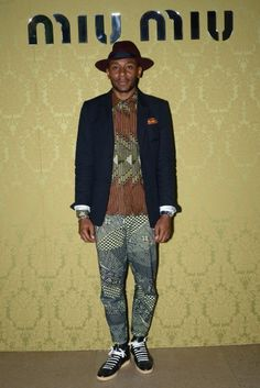 Mos Def in Miu Miu Resort Collection African wax remix Indie Fashion, Urban Fashion, Mens Fashion, Mos Def, African Clothing For Men, Dapper Men, Raining Men, Well Dressed Men, African Fashion