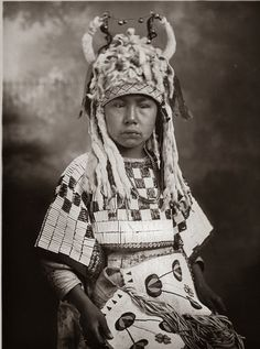 Indian Pictures: Blackfoot/Blackfeet Indian Tribe Historic Photos, date unknown. [Possibly Black Plume's daughter? JE]
