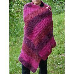 Etole femme en laine tricoté main. Très belle écharpe douce   chaude pour  adulte tricoté tout au point mousse en une très belle qualité de laine  PLASSARD ... dc2d874a59c