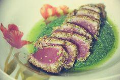 tataki tuna with rocket pesto