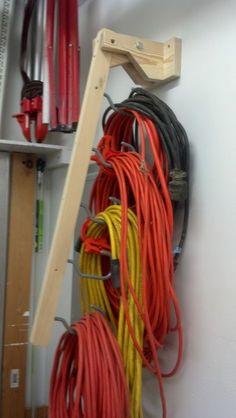 praktische Aufhängung für Kabel / Schläuche