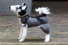 Knit your own dog   Husky/Malamute pattern