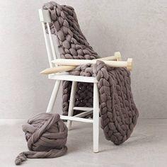 Blanket KNITTING KIT. Giant 40mm Knitting needles. Super
