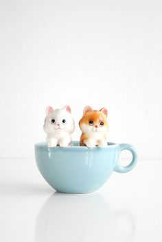 Vintage Ceramic Kitten Salt and Pepper Shakers by Norcrest