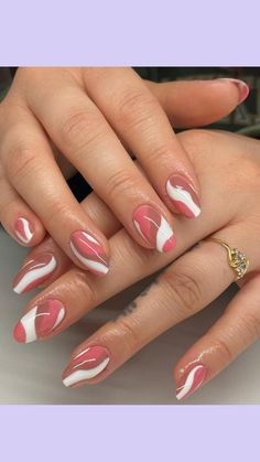 Sparkle Nail Designs, French Tip Nail Designs, Elegant Nail Designs, Elegant Nails, Stylish Nails, Rounded Acrylic Nails, Red Acrylic Nails, Rose Gold Nails, Nude Nails
