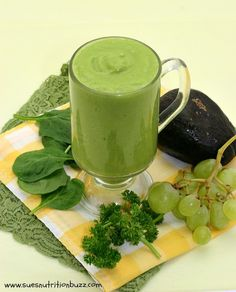 Detox with this Mango Avocado Green Smoothie !  Brain-food in a glass ! Vegan & Dairy Free !