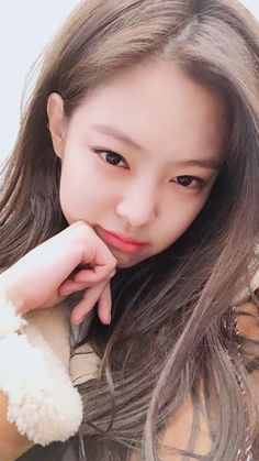 Our mandeugi, hope she always happy and healthy🙏😍😍 Kim Jennie, Divas, Kpop Girl Groups, Kpop Girls, Korean Girl, Asian Girl, Forever Young, Blackpink Members, Blackpink Photos