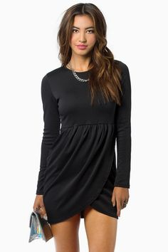 Cute dress. Can be dressed up or down.