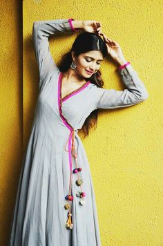 Luv the style Kurti Neck Designs, Dress Neck Designs, Salwar Designs, Blouse Designs, Anarkali Dress, Pakistani Dresses, Indian Dresses, Indian Outfits, Indian Designer Outfits