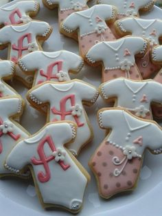 Nice design for baby shower cookies (Camila).