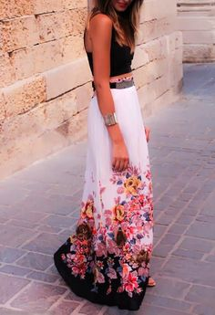 Gorgeous black hot summer cute blouse with flowers printed cte white long stylish maxi dress and cute braslate and black belt and cute black pumps the best street style  fashion