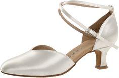 Mod. 105 Damen Tanzschuhe Made in Germany Weite E½ Normalweite Latino Absatz 5 cm weiß Satin