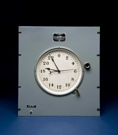 This dial unit is all that remains of a quartz clock dating from about 1955. The clock was developed at the Naval Research Laboratory and installed at the U.S. Naval Observatory to monitor the accuracy of time signals sent to naval radio stations at Annapolis, San Francisco, Hawaii and Balboa in the Panama Canal Zone.
