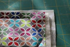 Hexagonal coasters tutorial! Quilting Projects, Coasters, Quilts, Blanket, Blog, Pattern, Fabric, Photography, Scrappy Quilts