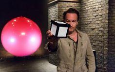 Spectacles à Paris : « Magic Box » mélange mentalisme et show comique