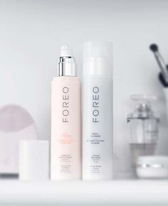 I will soon be testing out a Foreo Luna device, so I am SO excited about the new Foreo cleansers! Here are the details from Foreo: CLEANSING COMES FULL CIRCLE! FOREO's Day & Night Cleansers ar...