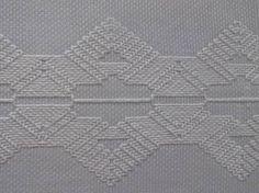 Resultado de imagem para toalhas de mesa bordadas em vagonite
