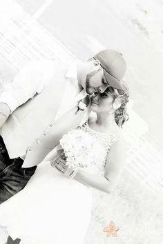 #westvirginia #photography #morgantown #wedding #4tarena #amysinephotography #marriage