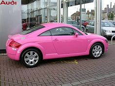 Pink Audi TT: Oei oei oei, wat is is cool!