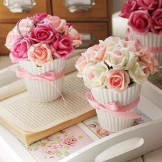 Buque de Rosas Artificiais
