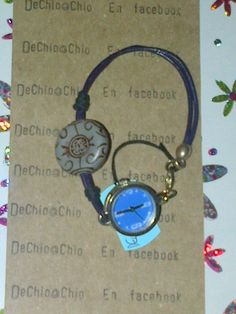 relojito Alex And Ani Charms, Charmed, Personalized Items, Bracelets, Jewelry, Messages, Bangles, Jewellery Making, Arm Bracelets