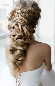 long wedding hairstyle idea via Elstile