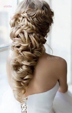 long wedding hairstyle idea via Elstile