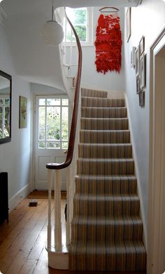 Not too keen on the carpet, but otherwise this hallway is just how I would like my stairs to look