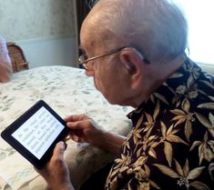 Electronic Book Readers - What are the Best E-Book Readers For Those With Macular Degeneration?