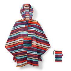 reisenthel Regenjacke »mini maxi poncho« für 29,95€. Unter den Armen jeweils 2 Druckknöpfe, Weite Kragenöffnung zum leichten An- und Ausziehen bei OTTO