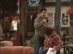 """19 Iconic Central Perk Moments Dissected By The Seventh Most Important """"Friend"""""""