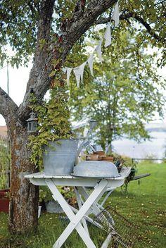 Simple country garden
