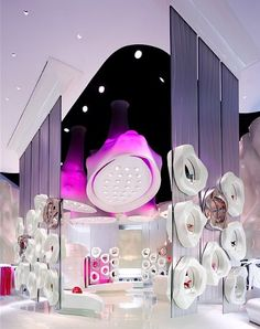 Retail Design: Designed by Giorgio Borruso Design is Fornarina, a retail clothing store in Las Vegas, Nevada. The main feature of this store are the four organic internally lit fabric light fixtures that were created by Eventscape.