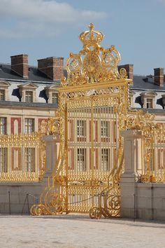 √ Golden gate from Versailles castle Monuments, Schloss Versailles, Chateau Versailles, Palace Of Versailles, Versailles Garden, Parisian, Paris France, Monaco, Luis Xiv