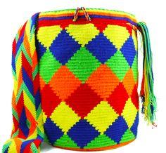 Wayuu Mochila - Authentic Handmade Wayuu Bag - Adriana - MOBOLSO - 1