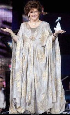 """A photo of """"Warda"""" during her last concert.. in Beirut! May her soul rest in peace."""