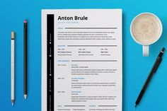 Tired of having a bland and boring looking resume for your job interviews? Give your resume and cover letter a professional designer look with this easy-to-edit template. Executive Resume Template, Simple Resume Template, Creative Resume Templates, Cv Template, Keynote Template, Creative Powerpoint, Business Brochure, Business Card Logo, Anton