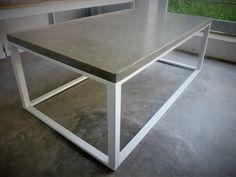 Mesa ratona, hierro y cemento texturado   Medidas, 107 cm x 61 cm x 38,50 cm (h)