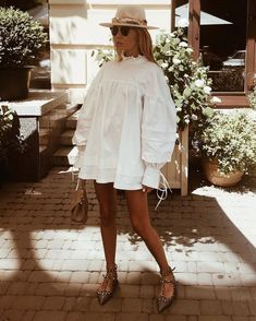 sunglasses photography Alles Geniale i - sunglasses Mode Outfits, Fashion Outfits, Fashion Clothes, Fashion Tips, Inspiration Mode, Fashion Inspiration, Look Vintage, Mode Style, Fashion 2020