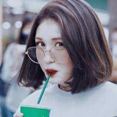 Yg Ent, Jeon Somi, Aesthetic Themes, Round Glass, Glasses, Fashion, Clothing, Eyewear, Moda