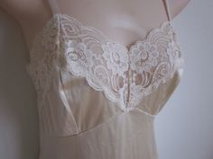 Vintage full slip ivory  nylon & lace  nightgown by divasvintage