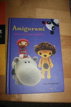 http://hintaseuranta.fi/tuote/amigurumi-virkkaa-uusia-iloisia-maskotteja-mia-bengtsson-kirja/600698  10€