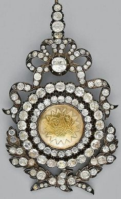 Late-Ottoman Order of Glory (Nişan-i-Íftihar), founded in 1831.  Gold and diamonds; with the 'tuğra' (seal) of sultan Mahmud II.  This was the second highest order in the Ottoman Empire.