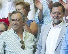 """En la cúspide de ese círculo de amigos íntimos de Rajoy está el polémico arquitecto Alfredo Díaz Grande (""""Fredy""""), casado con Pilar Rojo, co..."""