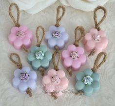 Zeep bloemetje met een roosje in vele kleurtjes