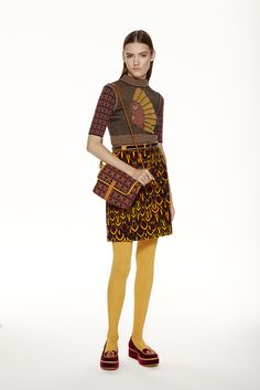 e866dff32b60ed Missoni Pre-Fall 2015 collection - the brand back us in the strong prints  on clothing, knitwear,bright prints,bold combinations,voluminous  silhouettes. M ...